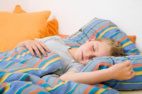 شب ادراری در کودکان چه عللی دارد؟ چ