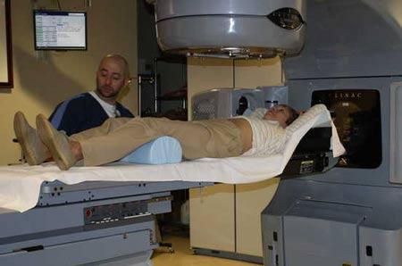 پرتو درمانی تومور غدد فوق کلیوی